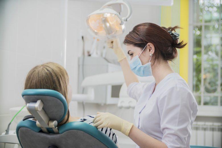 歯科医師女医